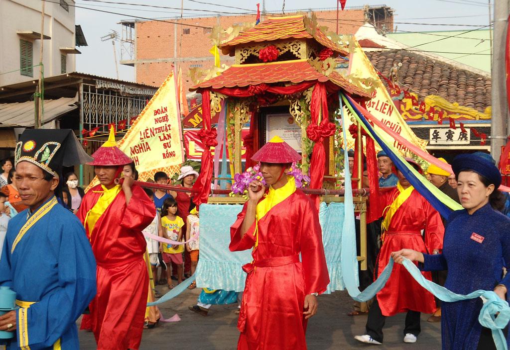 Top 5 lễ hội ở Vũng Tàu thu hút khách du lịch – lễ hội Miếu Bà Ngũ Hành.
